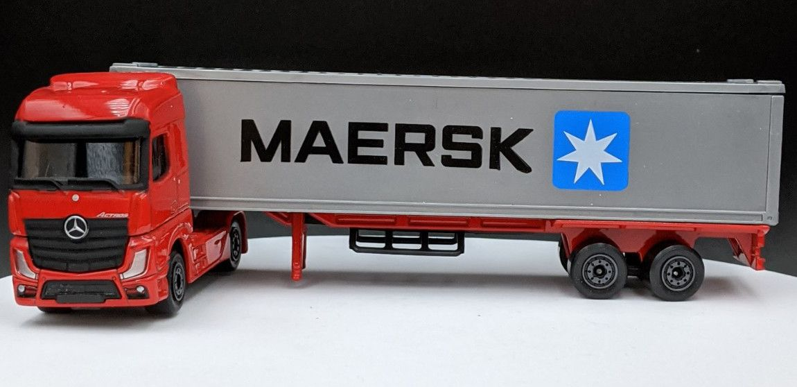 Mercedes Benz Actros & Shipping Container Maersk