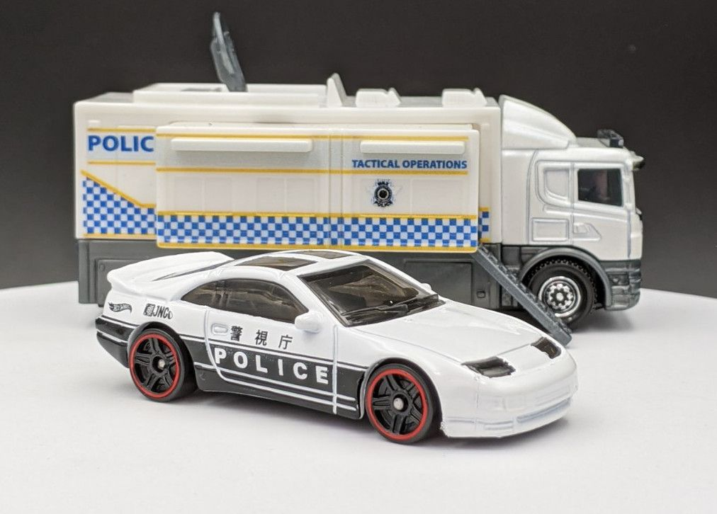 Nissan 300ZX Twin Turbo in Japanese Police Livery