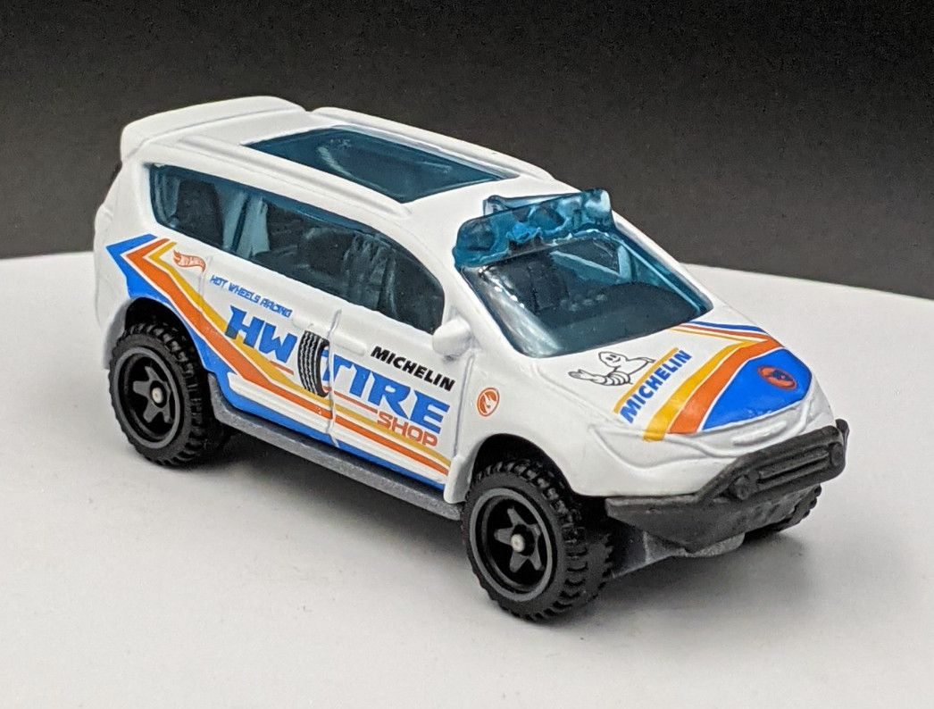 Chrysler Pacifica HW Tire Shop / Michelin Livery TH