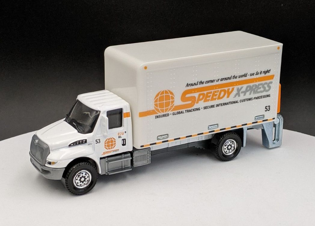 International Durastar Box Truck Speedy Express Livery – Working lift